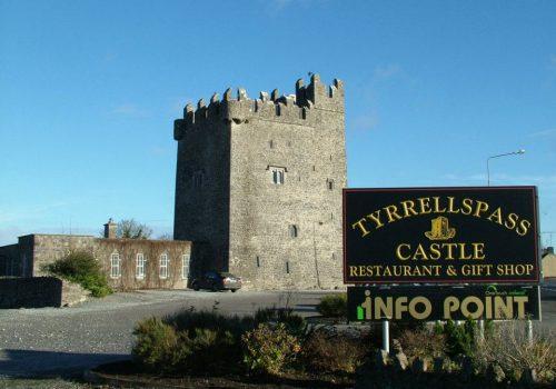 tyrellspass-castle